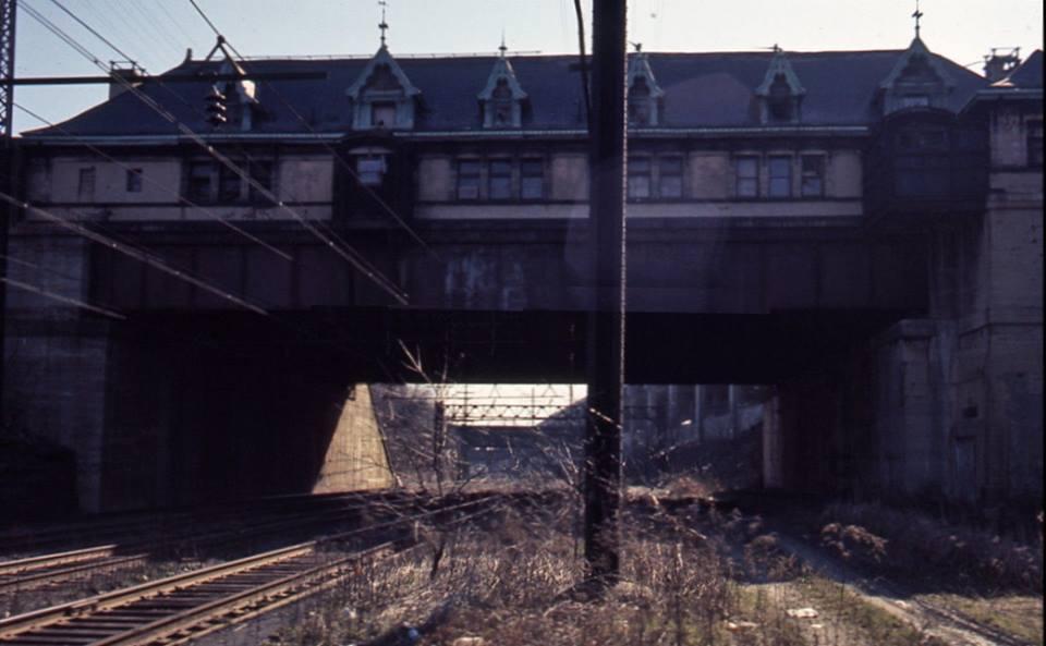 NH RR Hunts Point Passenger Station pic 17.jpg