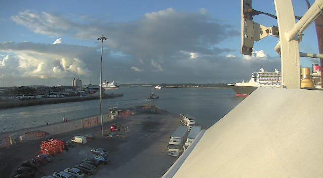 QM2-QV-Southampton.jpg