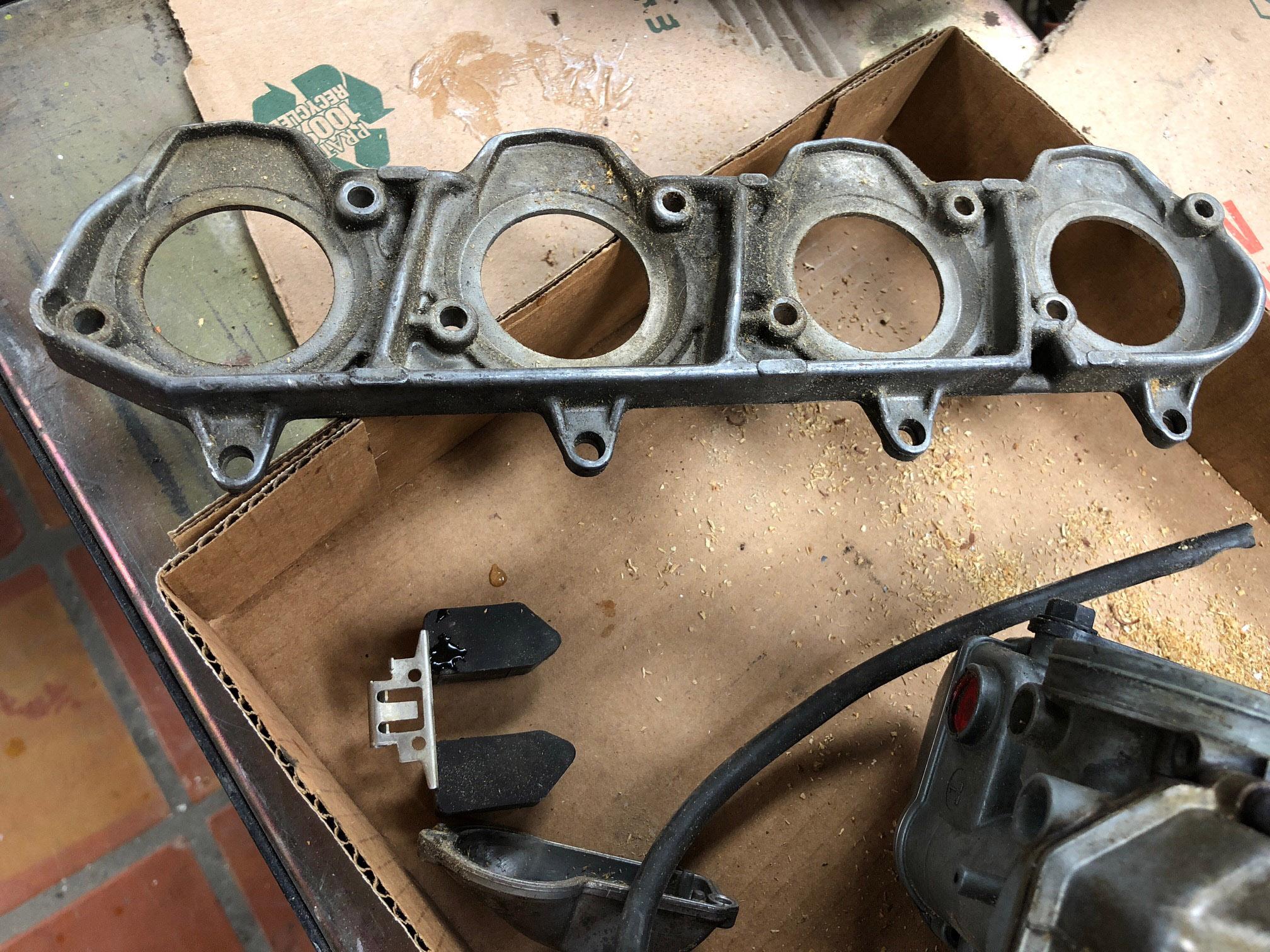 77 78 carb mounting block 3.jpg