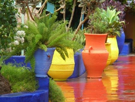 Mediterranean 1f3ff673074a5b38cb60e7305bfdcc9a--mediterranean-garden-painted-pots.jpg