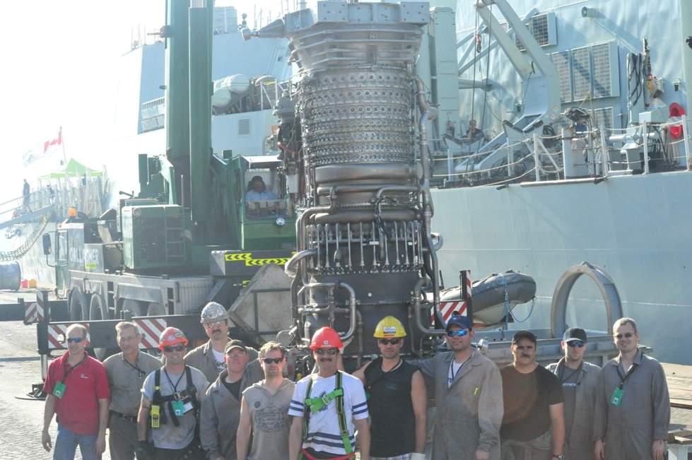 HMCS Toronto gas turbine replacement in the persian gulf Dec 2013.jpg