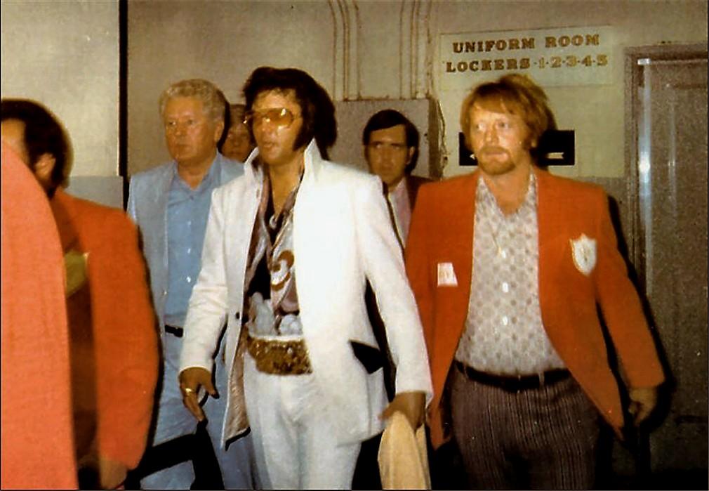 June 17 1972 CHICAGO before show SharonFox.jpg
