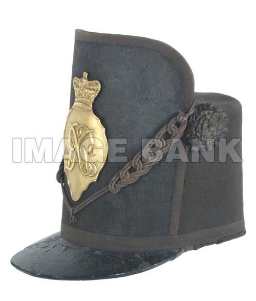 Wob33d_British_officer_s_Wellington_or_Waterloo_style_shako_circa_1812_1815_psd.jpg