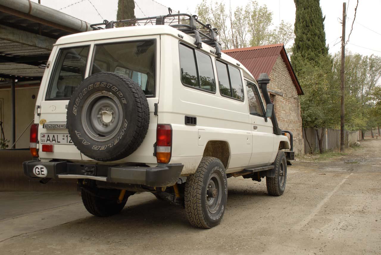 1999 Land Cruiser HJ75, rear.jpg
