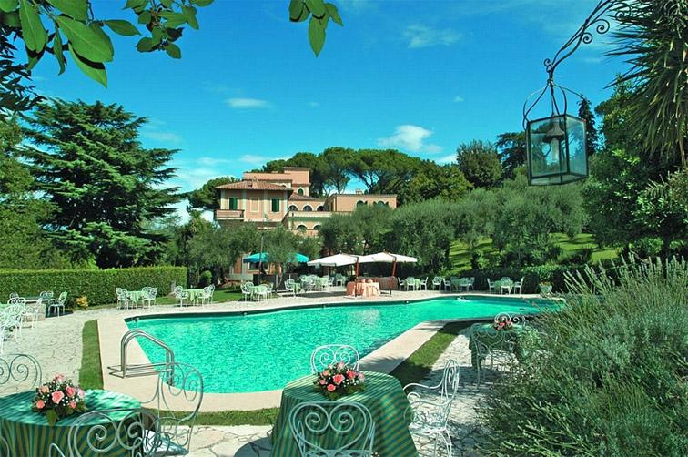 Hotel Villa Fiorio Pool-B.jpg