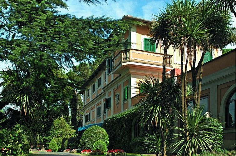 Hotel Villa Fiorio - outside.jpg