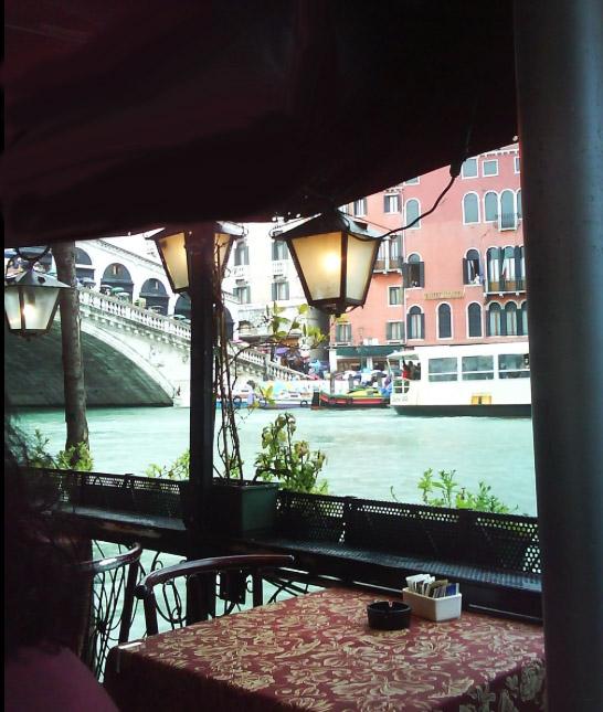 5-Cafe Saraceno - chairs & lamps.jpg