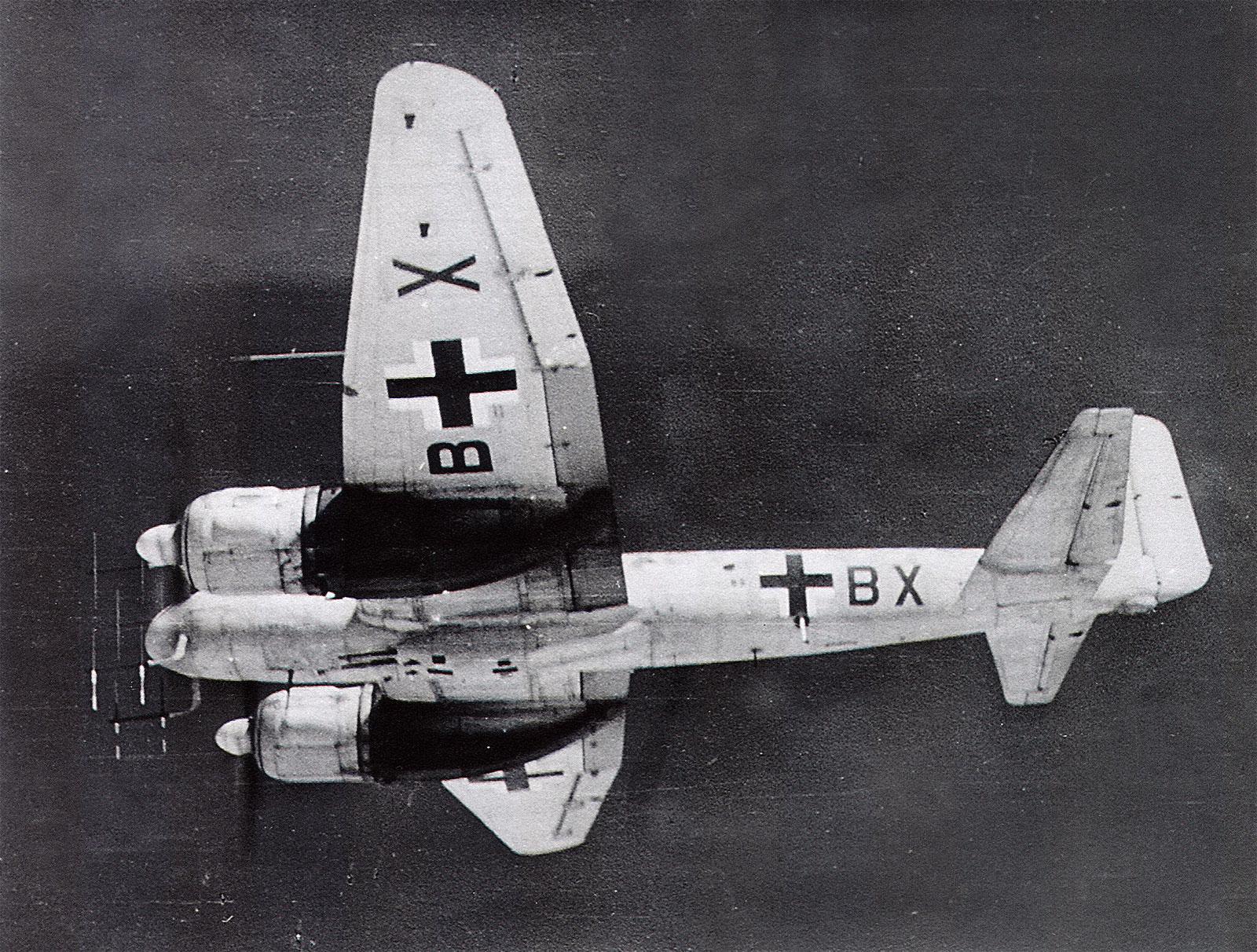 BW-photo-Junkers-Ju-88G-13.NJG2-(4R+BX)-1944-01.jpg