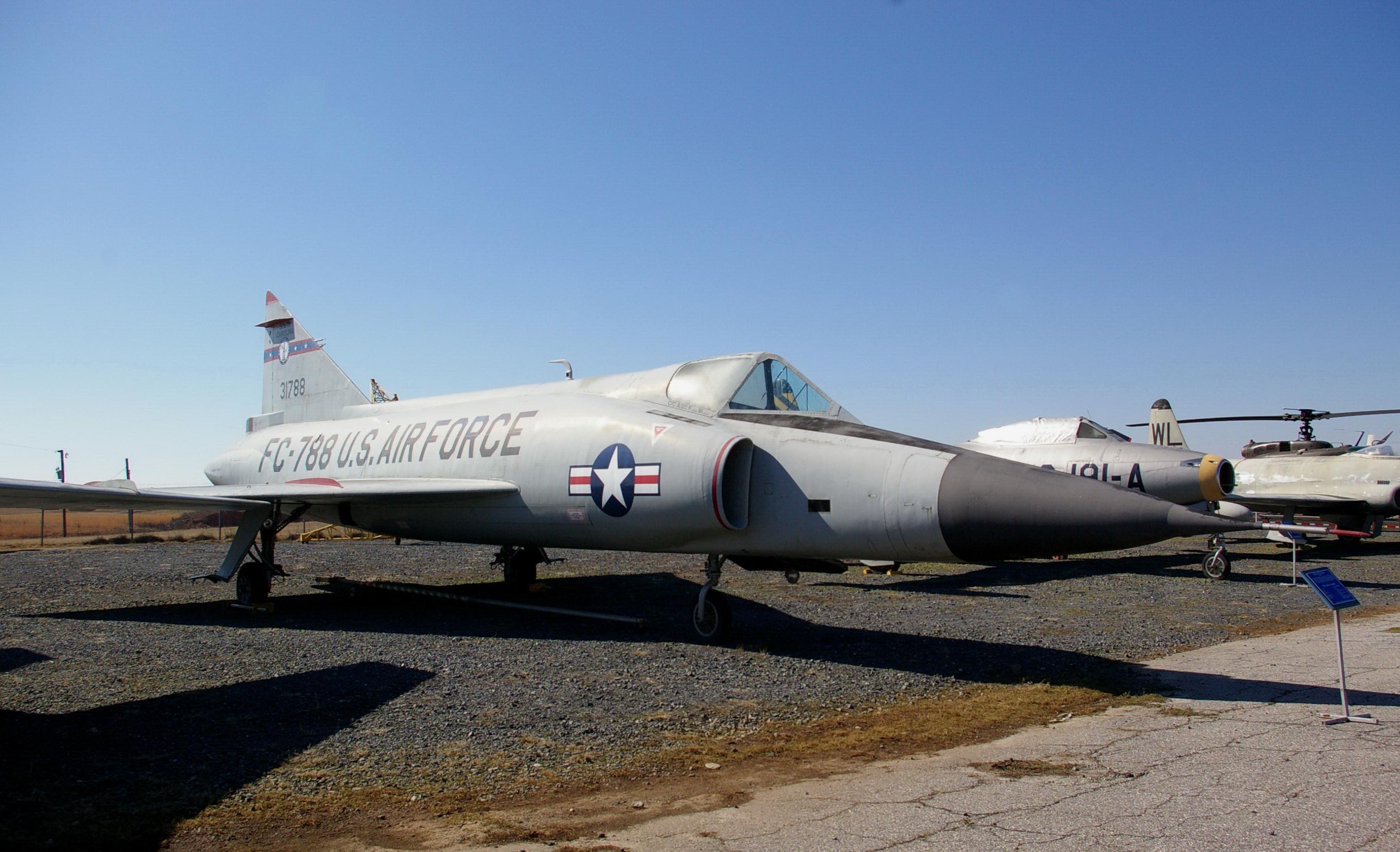 YF-102A 53-1788 Carolina's Air Museum 7FEB09 #2 (JS).jpg