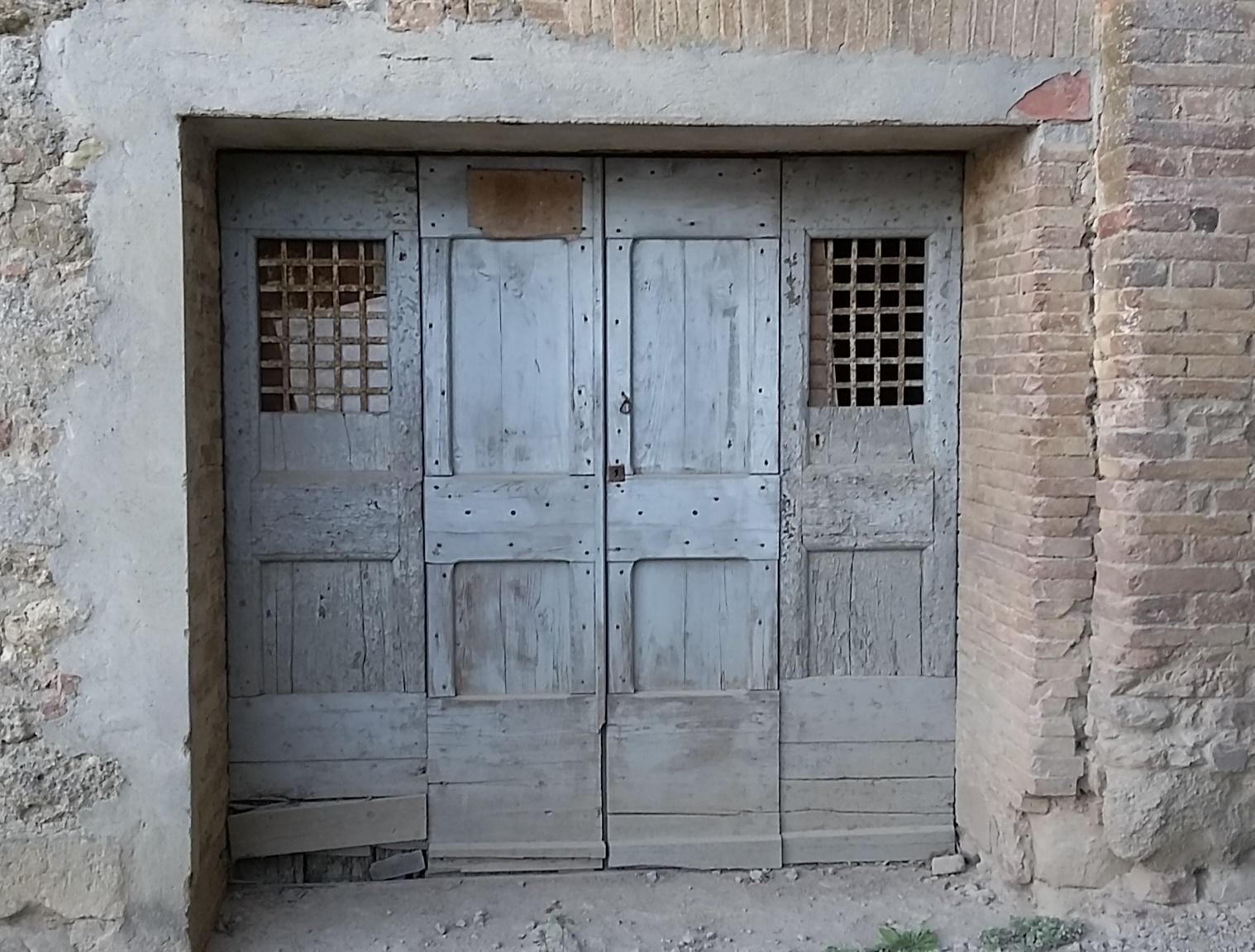 Italian door 1.jpg