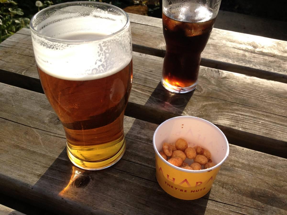 Beer_and_nuts.jpg