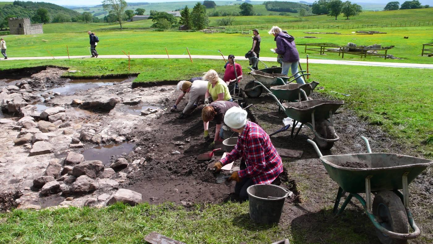 Vindolanda_dig_June_080.jpg